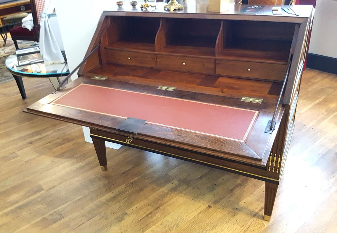 cabinet de curiosit s salon habitat d co salon des antiquaires. Black Bedroom Furniture Sets. Home Design Ideas